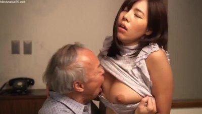 【ながえスタイル】パートの美熟女な巨乳妻が、パート先のオーナーの老人に寝取られ「夫には、こんなとこ舐めてもらえないですッ!!」と言って、ねっとりセックスしちゃう!